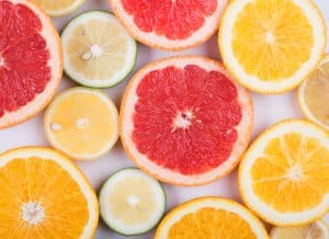 La vitamine C permet d'optimiser l'absorption en fer des aliments